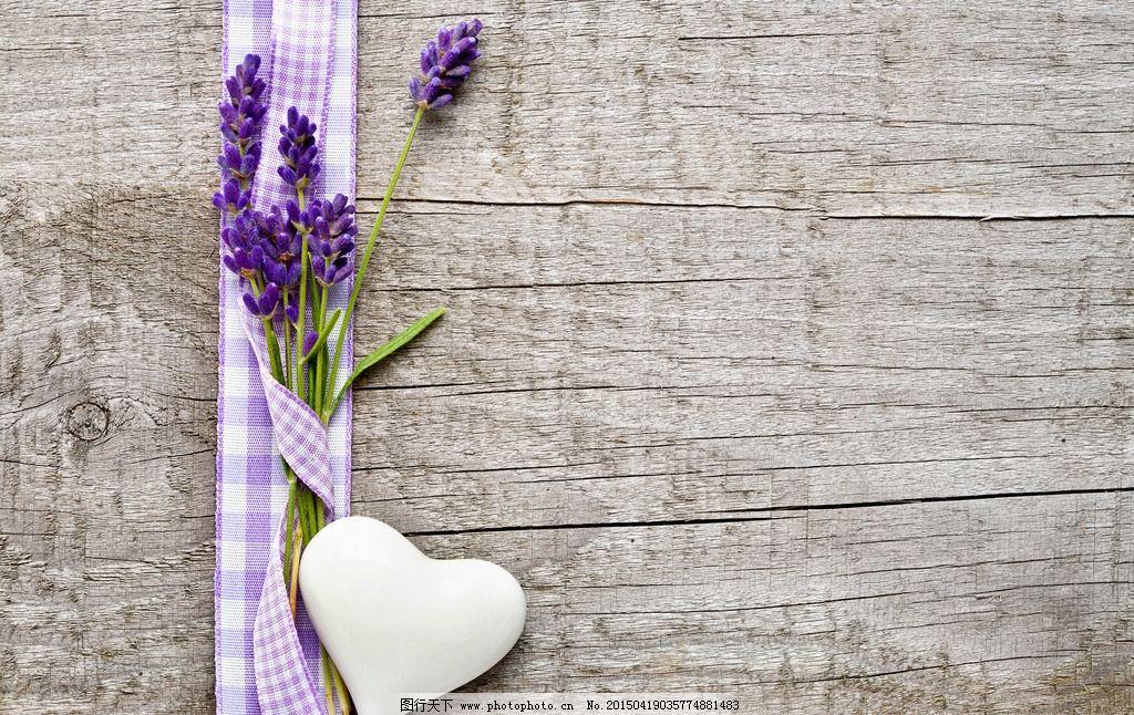 薰衣草图片,鲜花 花朵 花束 心形 浪漫 木板 背景-图