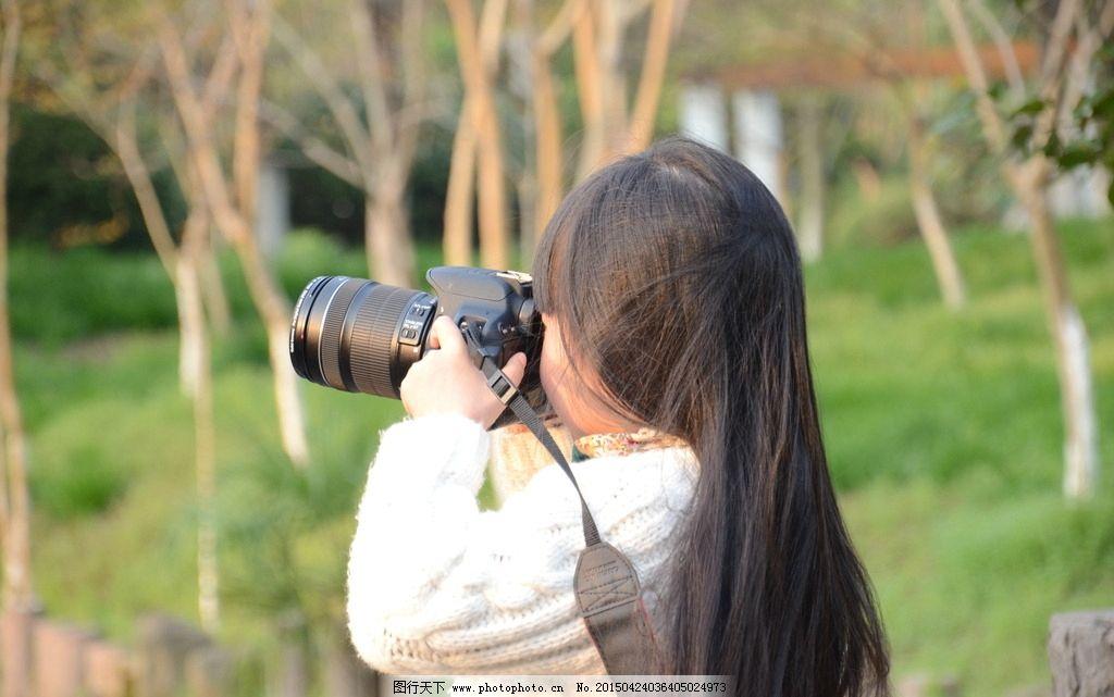 小小摄影师 小女孩 照相 单反相机 拍照 人物图库 儿童幼儿