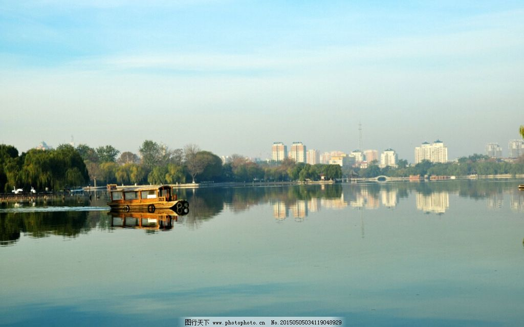 风景图片 大明湖/大明湖河畔水面倒影风景图片