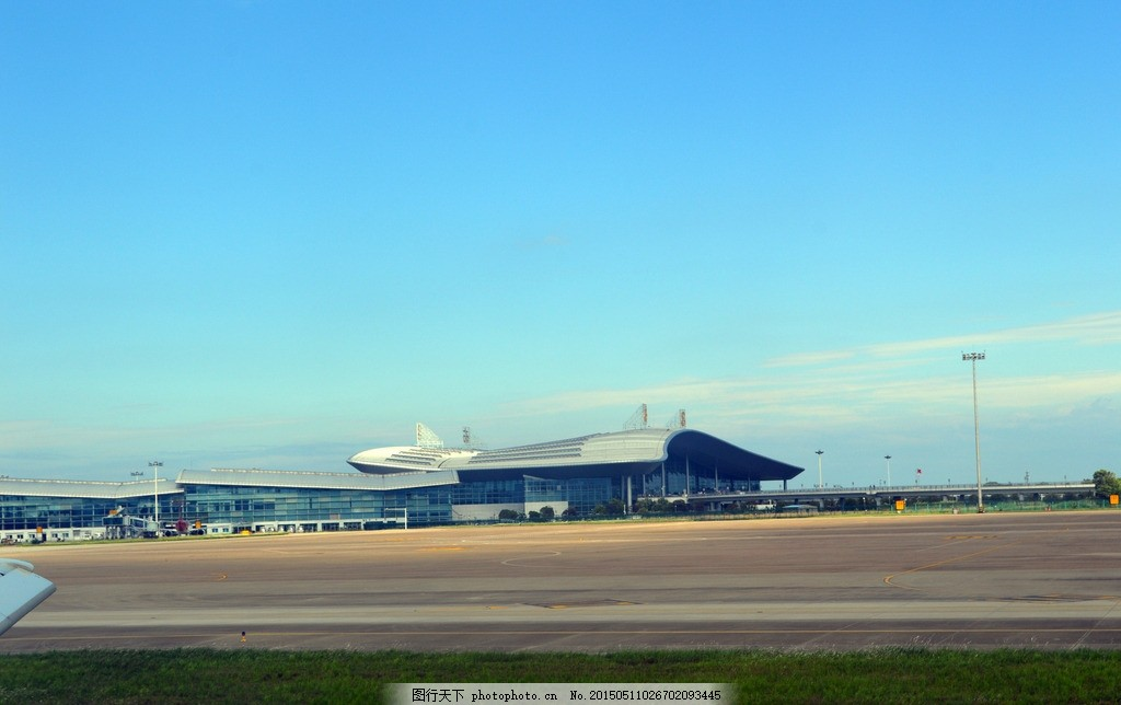 南昌机场 飞机场 昌北机场 蓝天 跑道 机场 航站楼 起飞 摄影 现代