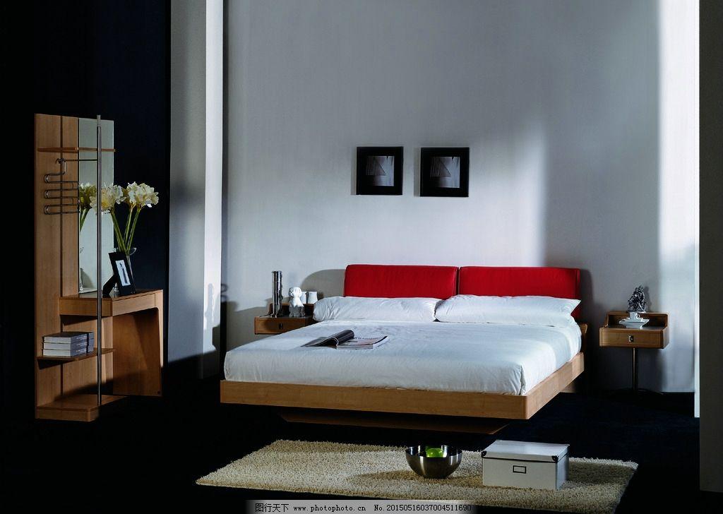 床 大床 床头柜 穿衣镜 地毯 卧房      卧房家具 原木色 原木家具 家
