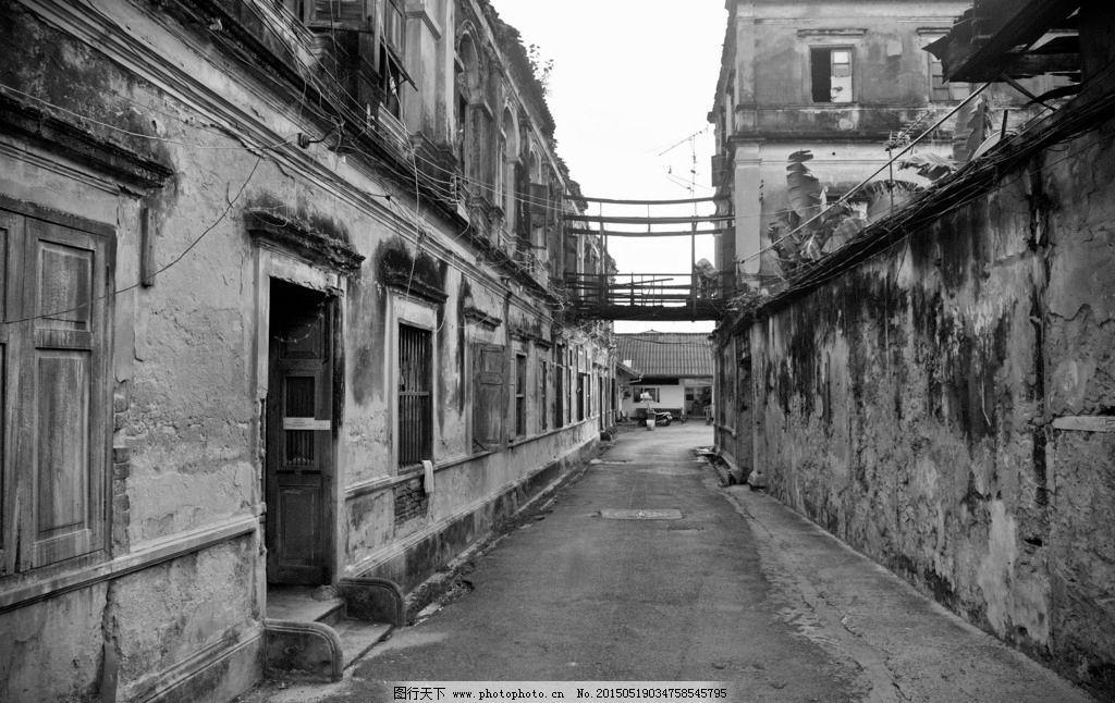 手绘黑白建筑街道