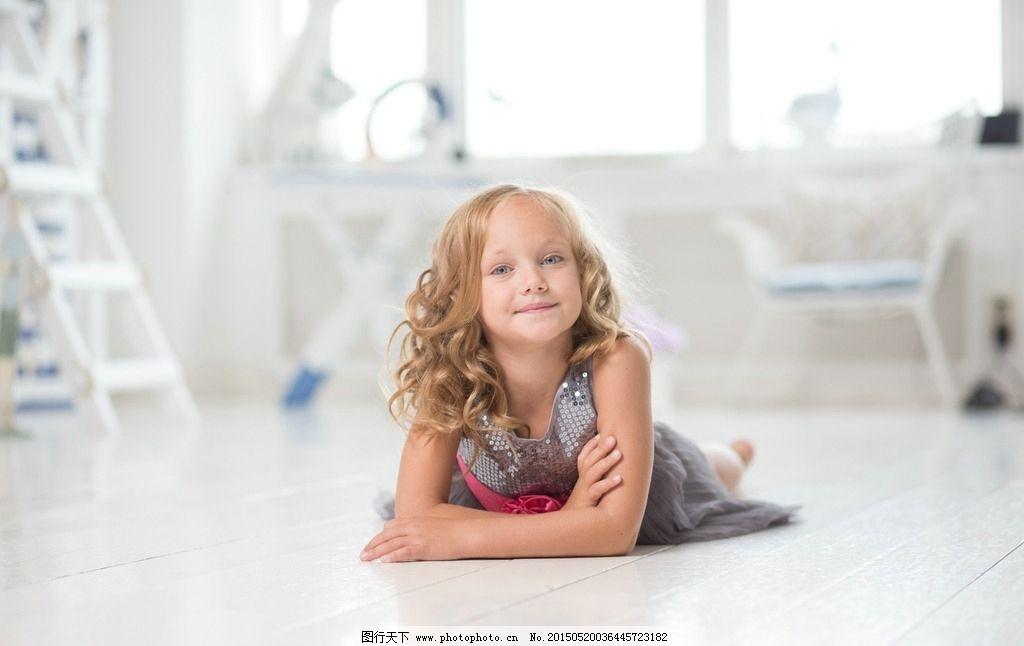 外国可爱女孩图片_人物摄影