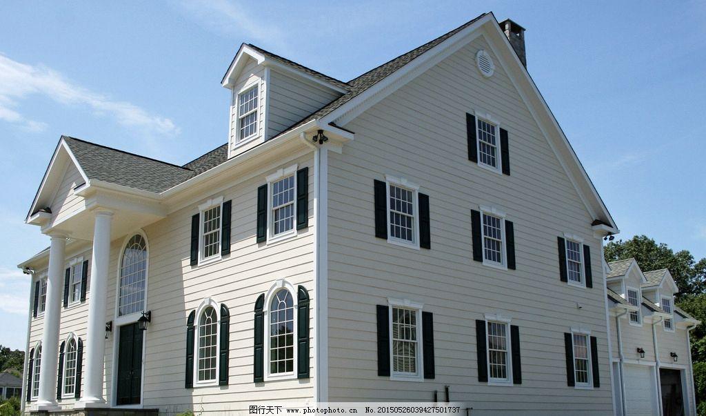 黑白窗三层别墅图片