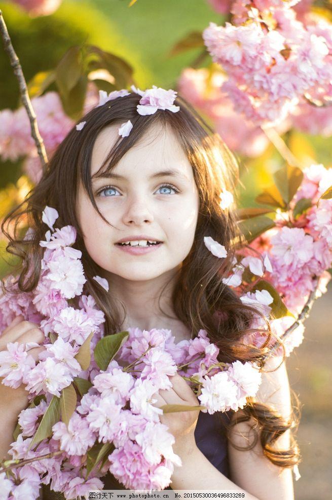 外国中图片小女孩花丛,盛开春季春天女生小带沐的名字粉色好听图片