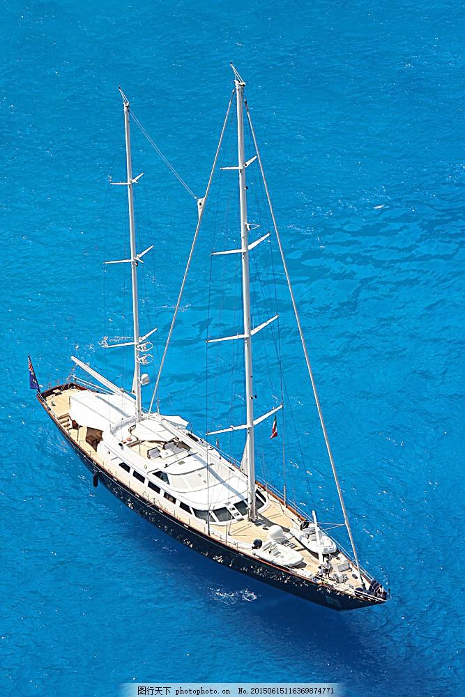 帆船俯拍照片 俯拍 大海 帆船 游艇 航海 旅行 自然风景 自然景观