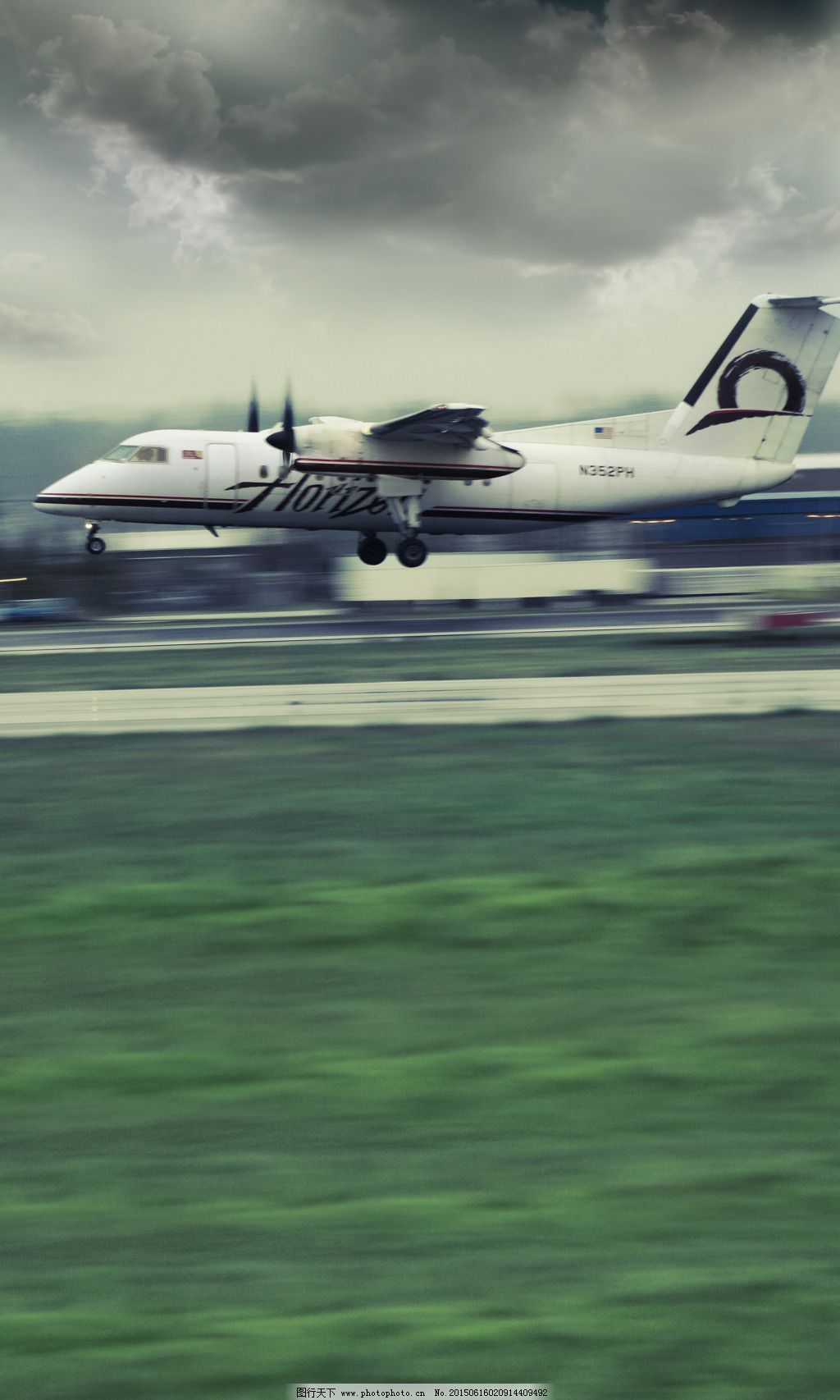 起飞的飞机免费下载 飞机