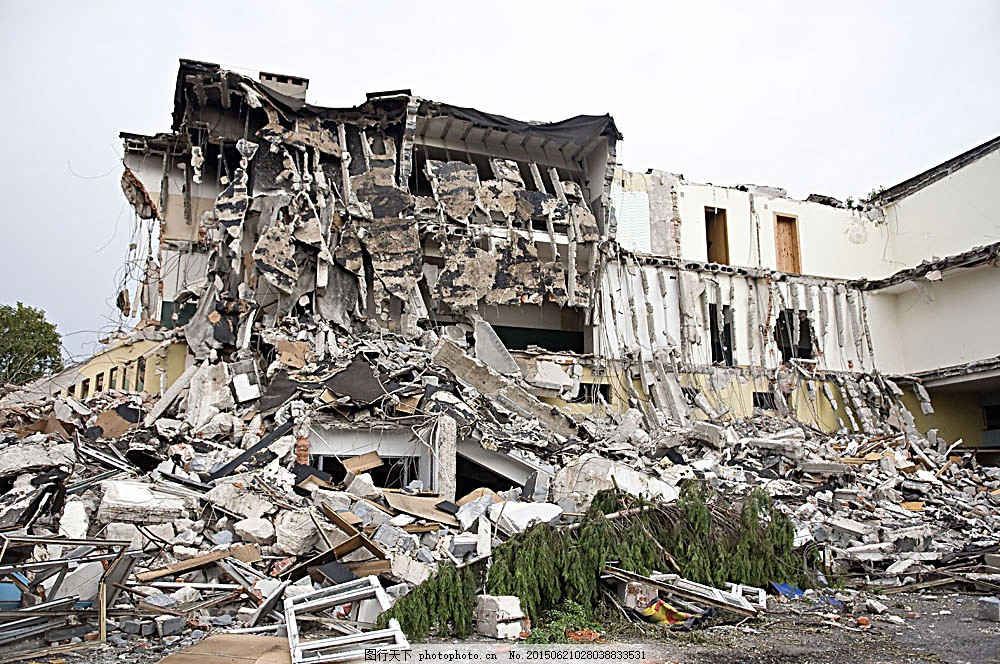 倒塌的房子 损坏的建筑 破旧的建筑 倒塌的建筑 老房屋 建筑图片